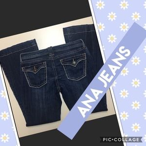 a.n.a. DARK WASH FLARED JEANS SIZE 8 S